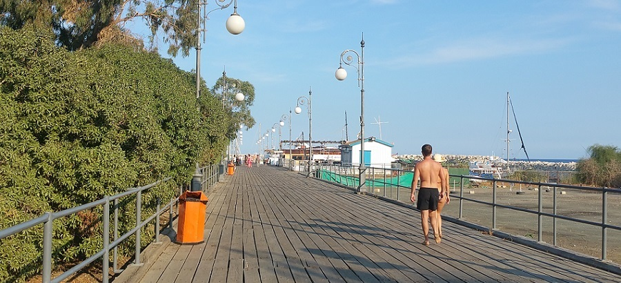 Visitors enjoying Larnaca weather in October