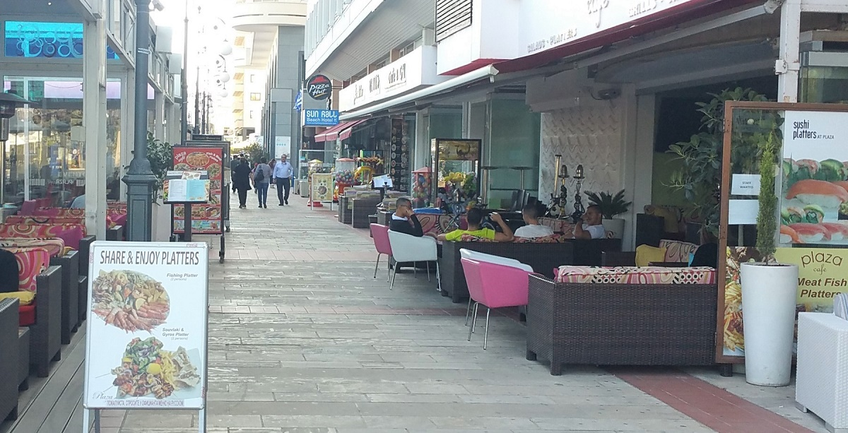 Larnaca weather what to wear in November