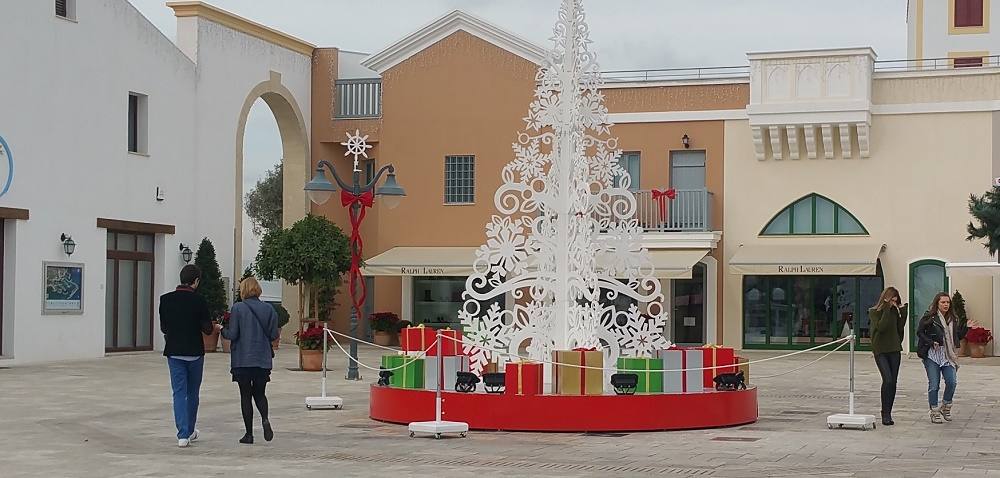 Limassol weather during December. Celebrating Christmas and new year at Limassol Marina